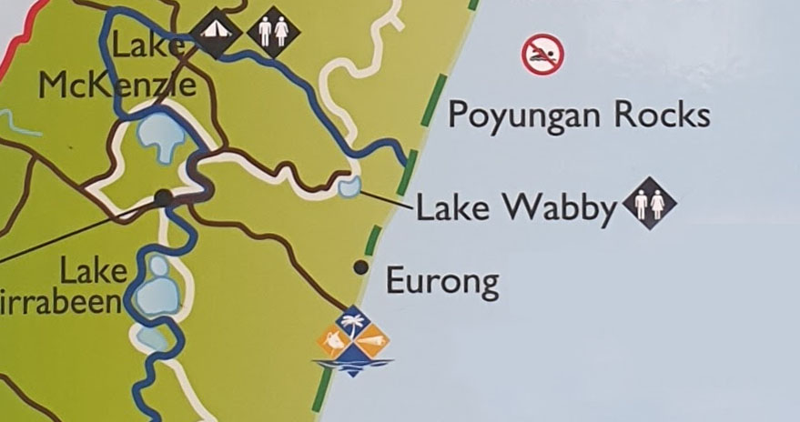 From the beach access point, it's a 45 minute walk over the dunes to reach Lake Waddy